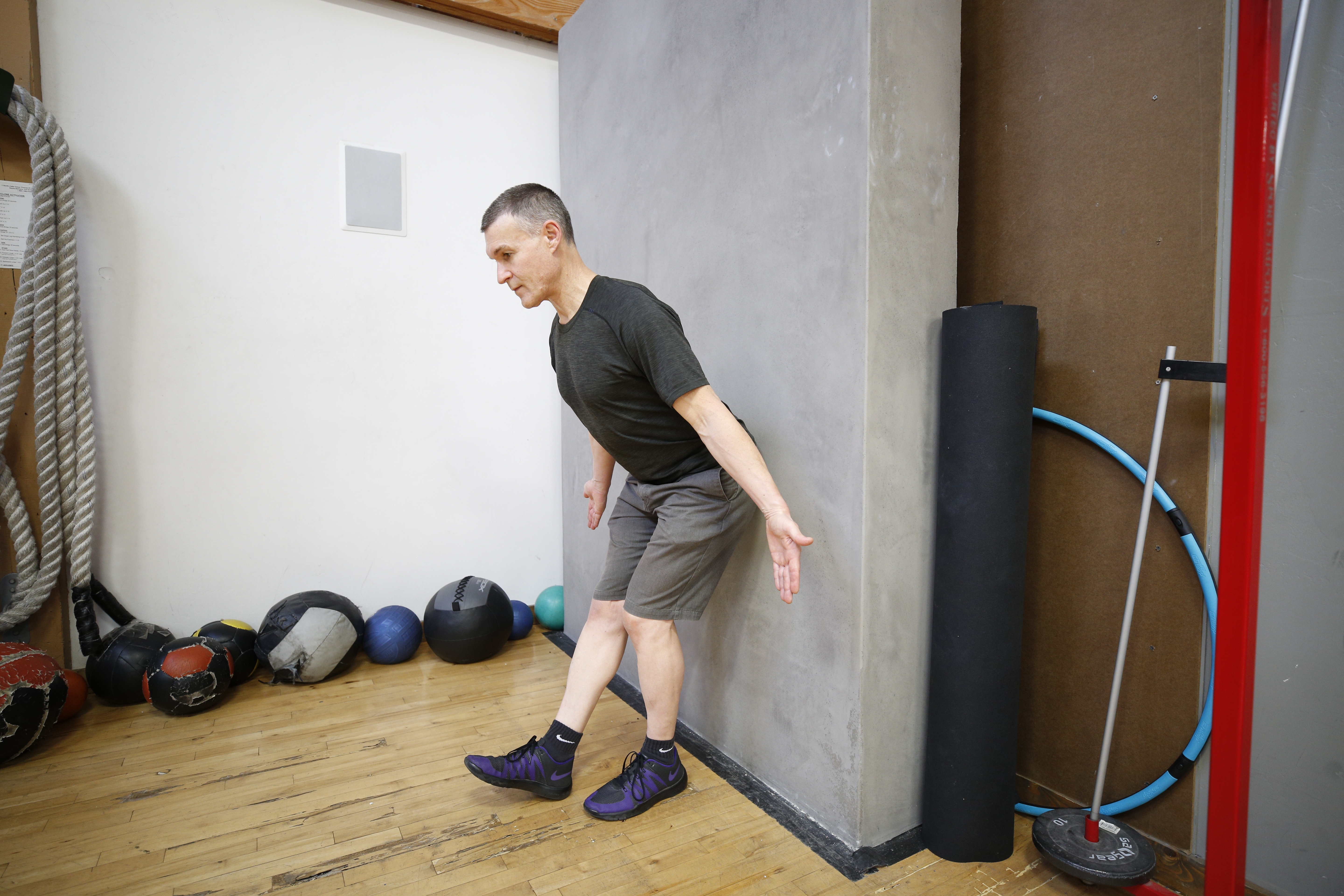 GROOVE YOUR HIP HINGE PART 3: KICK-STAND WALL HIP HINGE